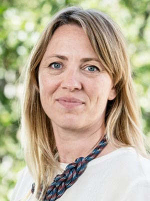 Christine Svarer