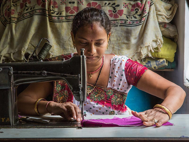 A Phone Can Only Do So Much: Why Mobile Access Isn't Leading To Digital Financial Service Usage Among Women in India thumbnail
